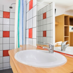 Bastille Hostel PARIS - SDB